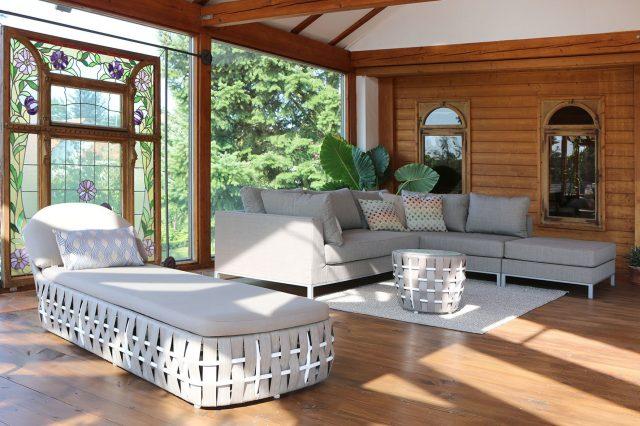 Loungebereich im Wintergarten